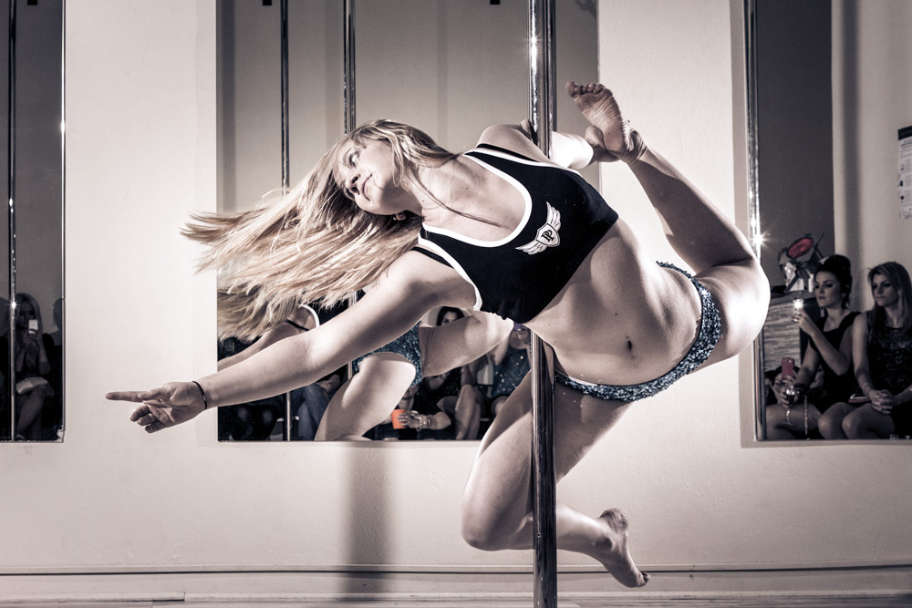 Toowoomba photographer mind body pole
